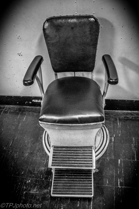 Old Navy Dentist Chair - Click To Enlarge