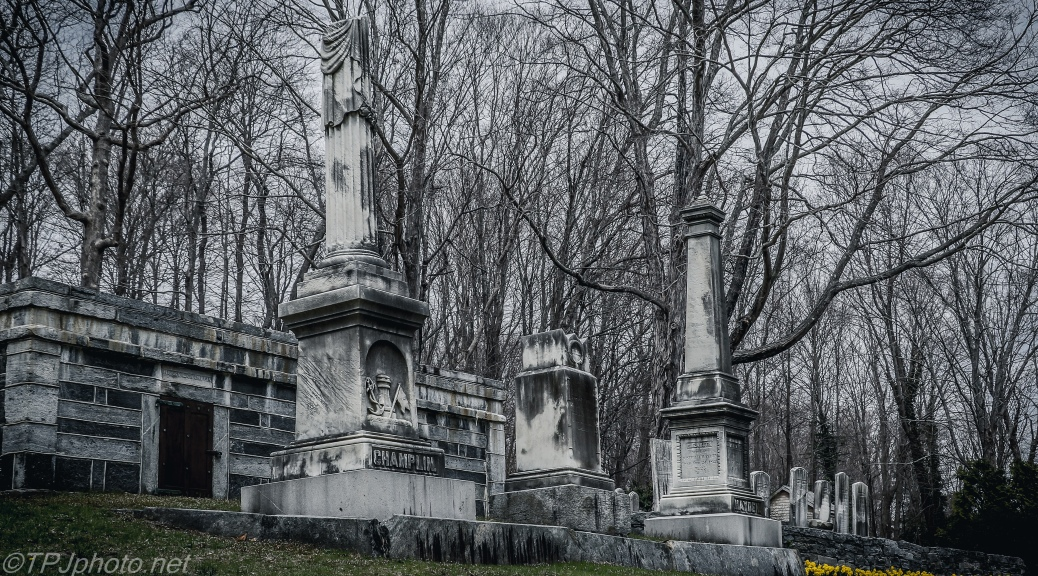 Old Essex Family Cemetery - Click To Enlarge