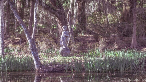 Old Southern Garden Statues - Click To Enlarge