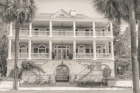Manor House, Charleston Bay
