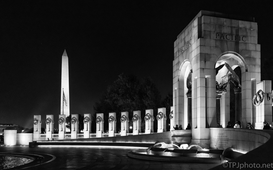 WW II Memorial, Veterans Day - click to enlarge