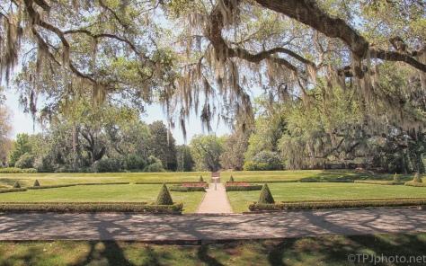 HDR Formal Garden - click to enlarge