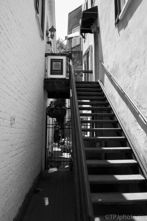 Charleston Galleries Black And White - click to enlarge