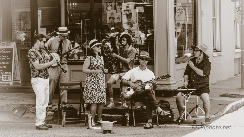 Some Ole Time Music. Charleston, South Carolina - click to enlarge