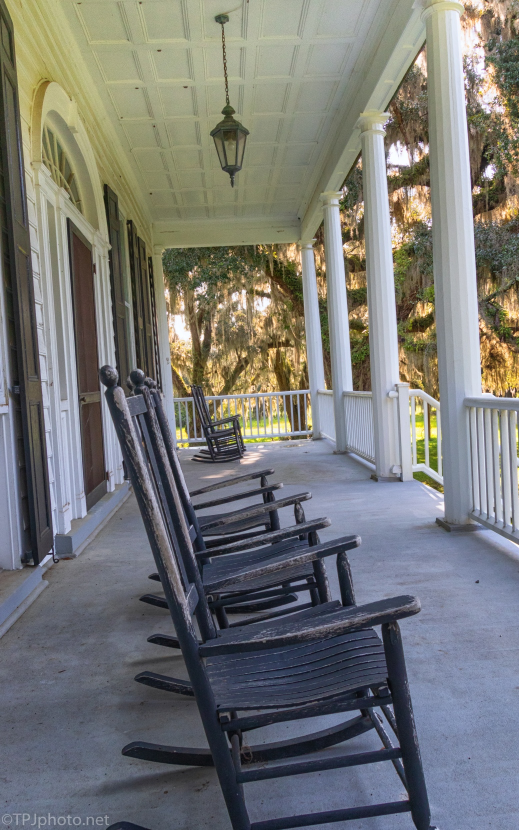 Old Plantation Front Porch - click to enlarge