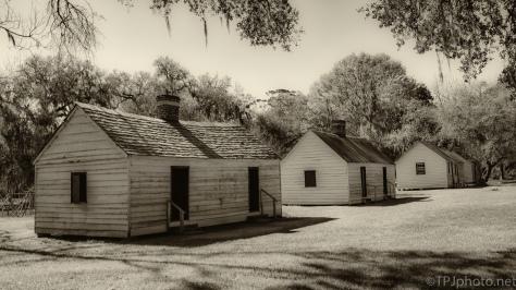 Plantation Cabins, Enslavement