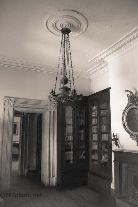 Main Floor Entryway, Circa 1820