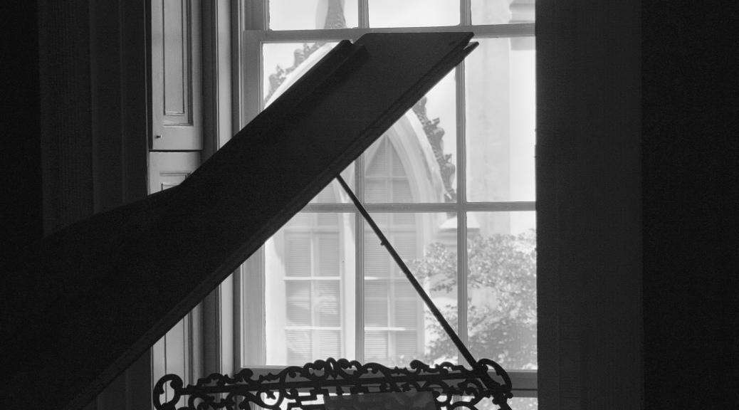 Piano, Black And White